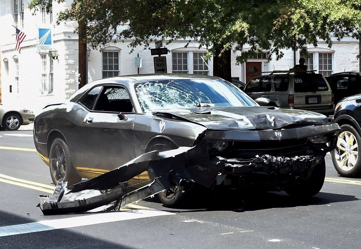 Mit diesem Auto rammte ein junger Fanatiker die Menschenmenge, in dem eine Frau dabei ums Leben kam.