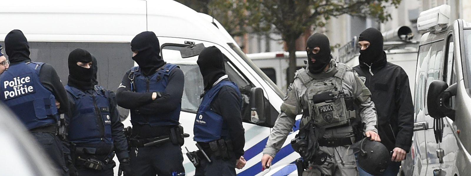 Belgische Spezialeinheiten hatten das Ehepaar am Samstag in Woluwe-Saint-Pierre bei Brüssel festgenommen.