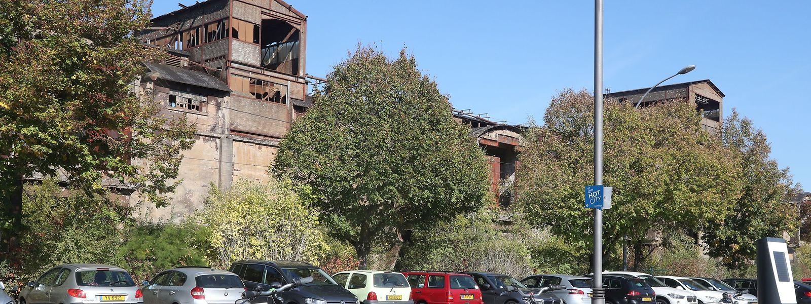 Les bâtiments industriels qui hérissent la frontière française à Esch disparaîtront au profit d'un tout nouveau quartier.