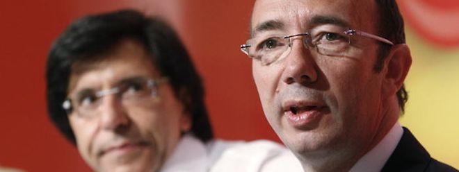 Le socialiste Rudy Demotte (à dr., au côté d'Elio di Rupo) a demandé au Roi à être déchargé de sa mission.