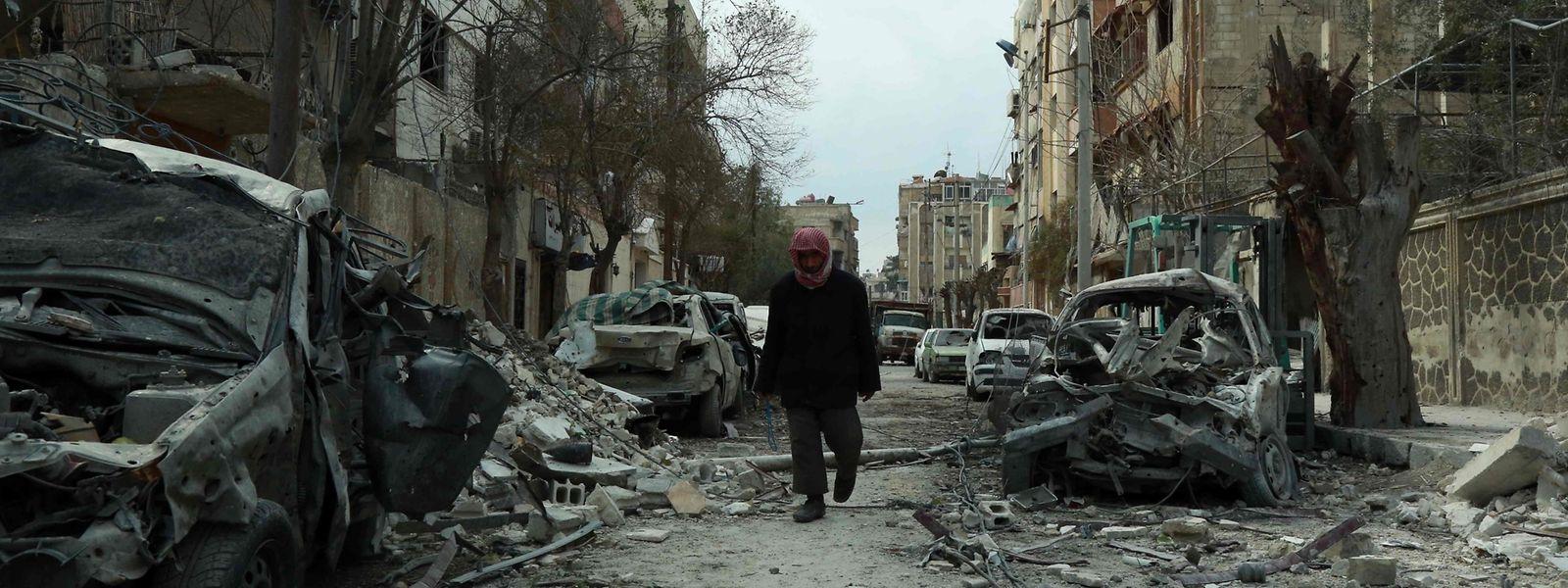 Trotz der Forderung des UN-Sicherheitsrats nach einer Waffenruhe gehen die Kämpfe in Syrien weiter.