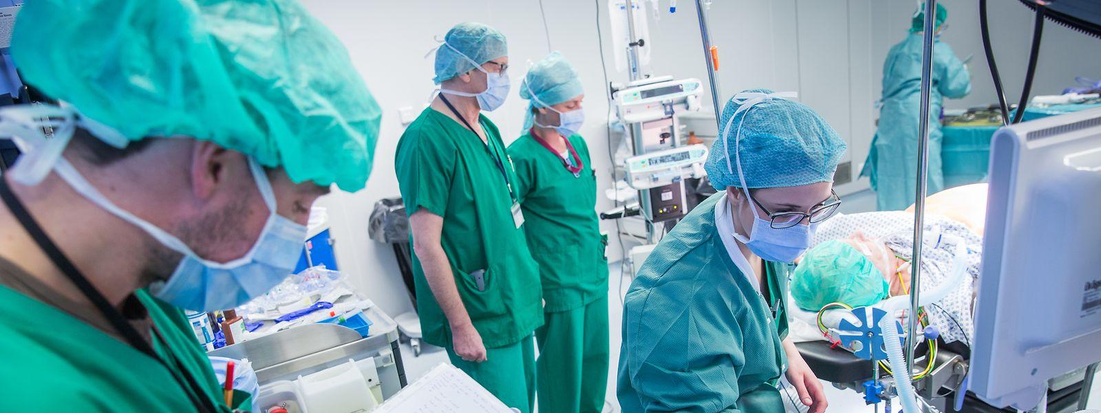 Pour répondre notamment aux nombreux départs en retraite à venir dans les 15 prochaines années, une répartition différente des ressources médicales est préconisée par Marie-Lise Lair.