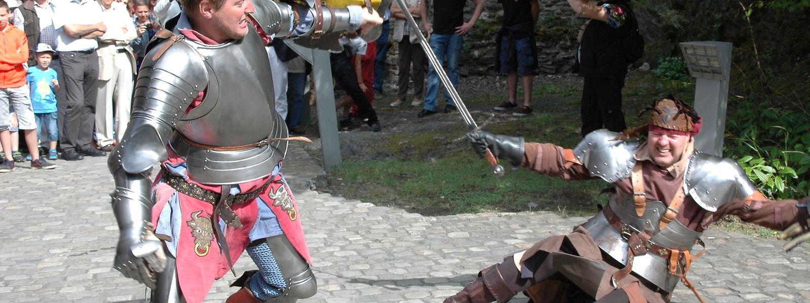 Spektakuläre Ritterkämpfe faszinieren die Besucher immer wieder.