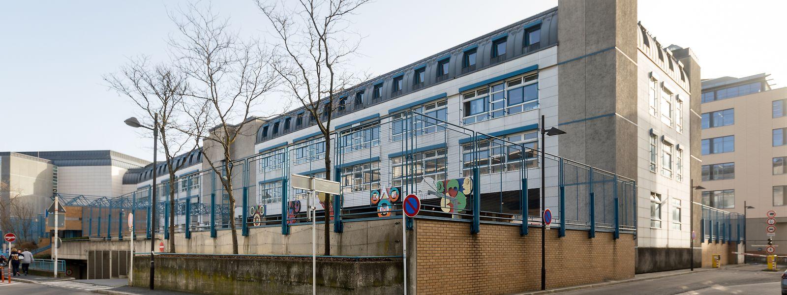 Unter anderem die Schule in der Rue du Commerce steht im Mittelpunkt der Diskussionen.