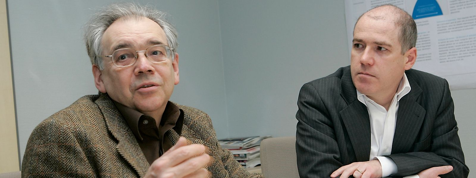 Linguistik-Professor Peter Gilles (rechts, mit dem Soziologen Fernand Fehlen im Jahr 2010) wünscht sich einen konsequenteren Luxemburgisch-Unterricht in allen Schulstufen.