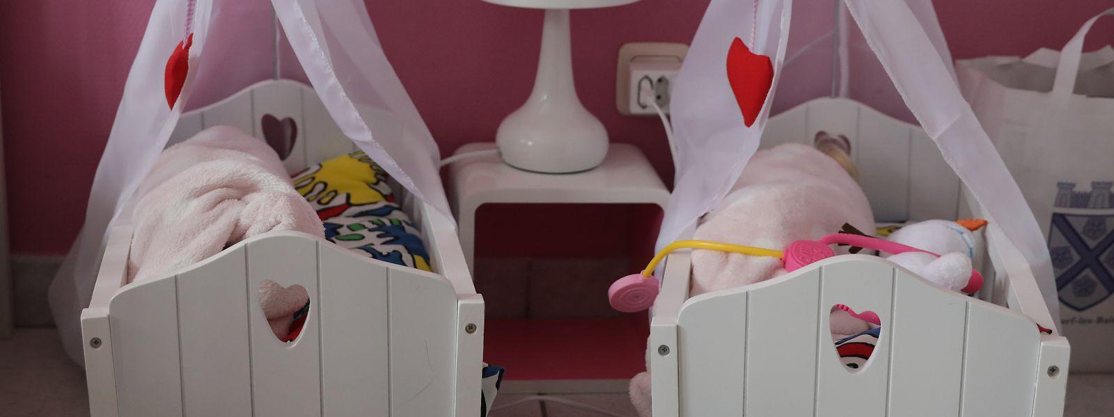 Im Leben teilen sich die Zwillinge Lara und Lia vieles: vom rosafarbigen Zimmer bis zur gemeinsamen seltenen Krankheit.