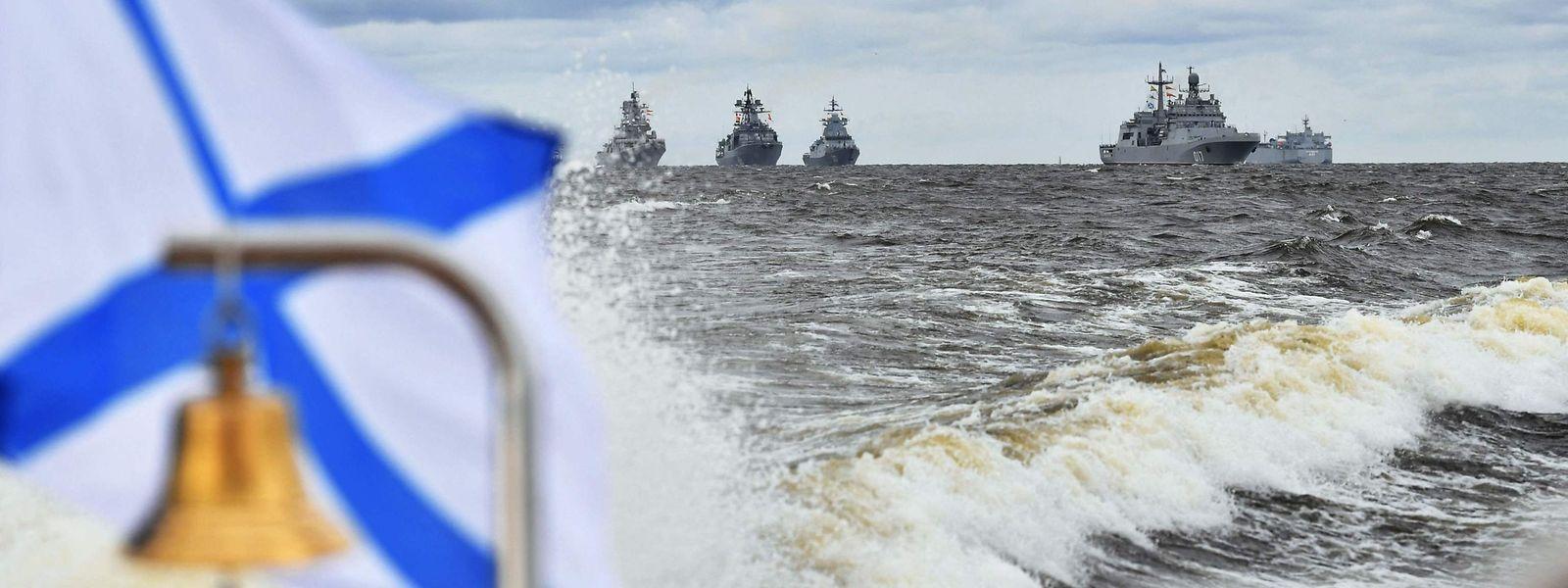 Russlands Flotten hätten über Jahrhunderte zur Größe und zum Ruhm des Landes beigetragen, sagte Putin am Sonntag.