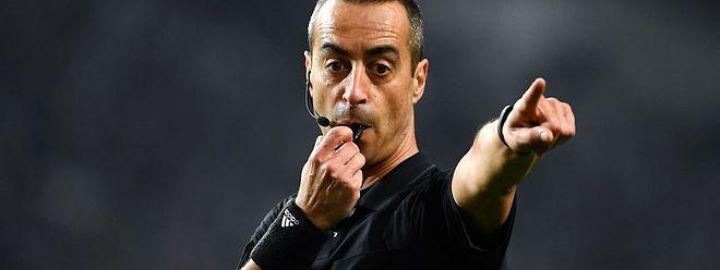 Jorge Sousa está nomeado para arbitrar a receção do Benfica, líder da I Liga, ao Santa Clara, no sábado, a partir das 19:30, no Estádio da Luz, em Lisboa.