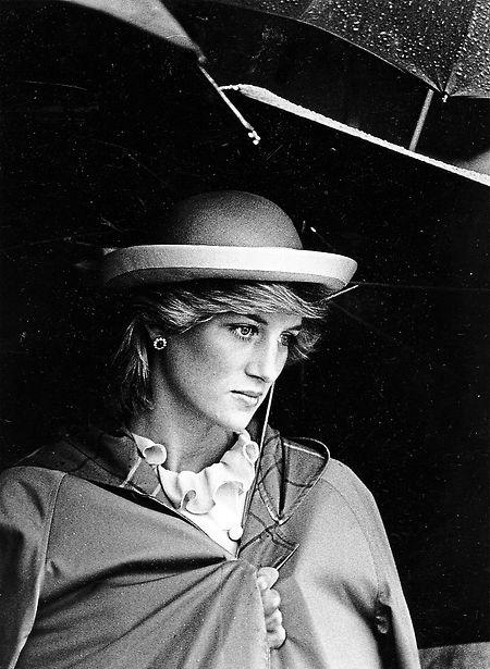 """Ihr tragischer Unfalltod im Alter von 36 Jahren verfestigte ihr Image als """"moderne Madonna""""."""