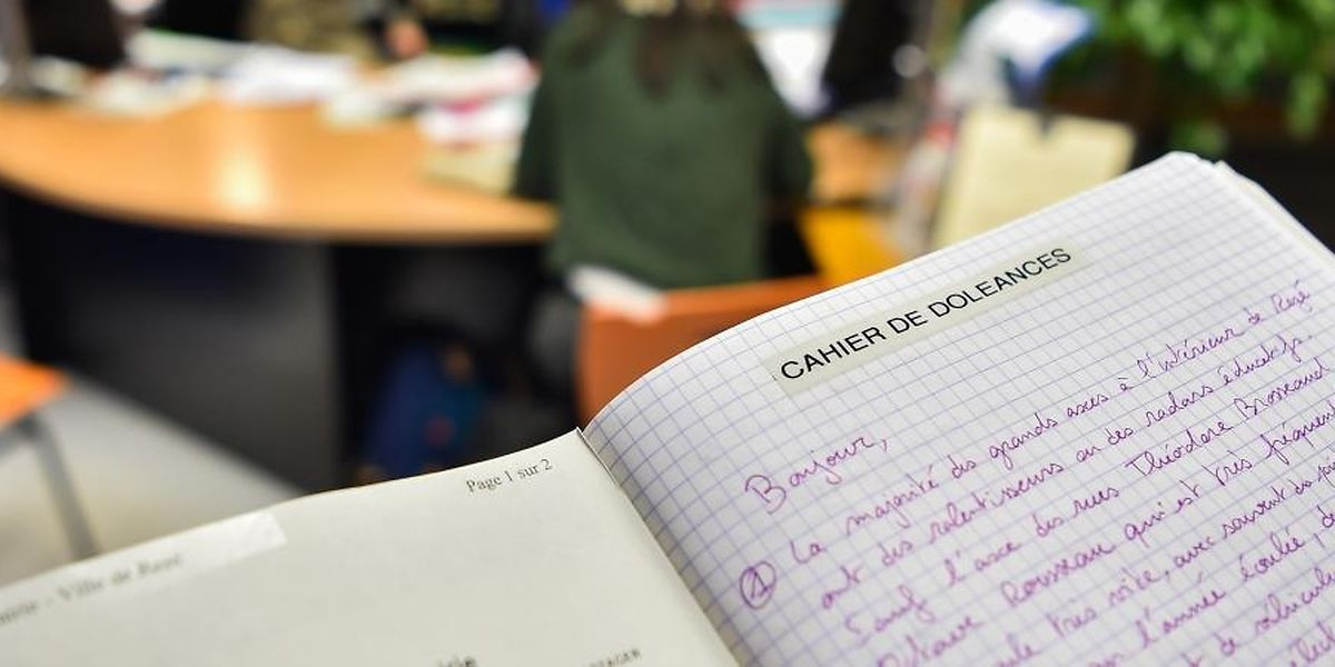 Tout comme ce cahier de doléances déposé dans une mairie en Loire-Atlantique, deux cahiers sont disponibles au Luxembourg au consulat et au Café Français, en ville.