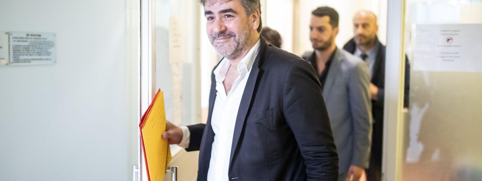 Deniz Yücel saß in der Türkei in Untersuchungshaft, weil ihm das Verbreiten von Propagandamitteln verfassungswidriger Organisationen vorgeworfen wurde.