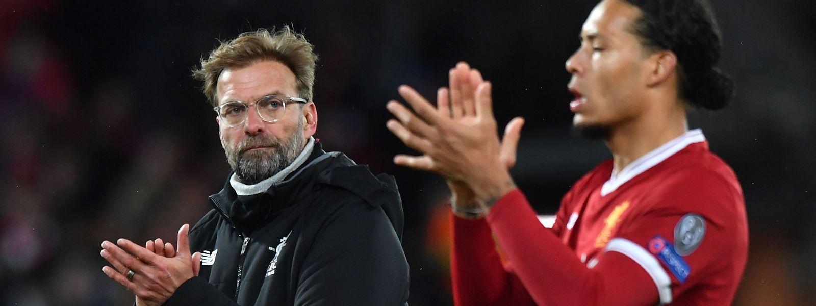 Jurgen Klopp e o defesa Virgil van Dijk bateram o Manchester City e deram um grande passo rumo às meias finais da 'Champions'.