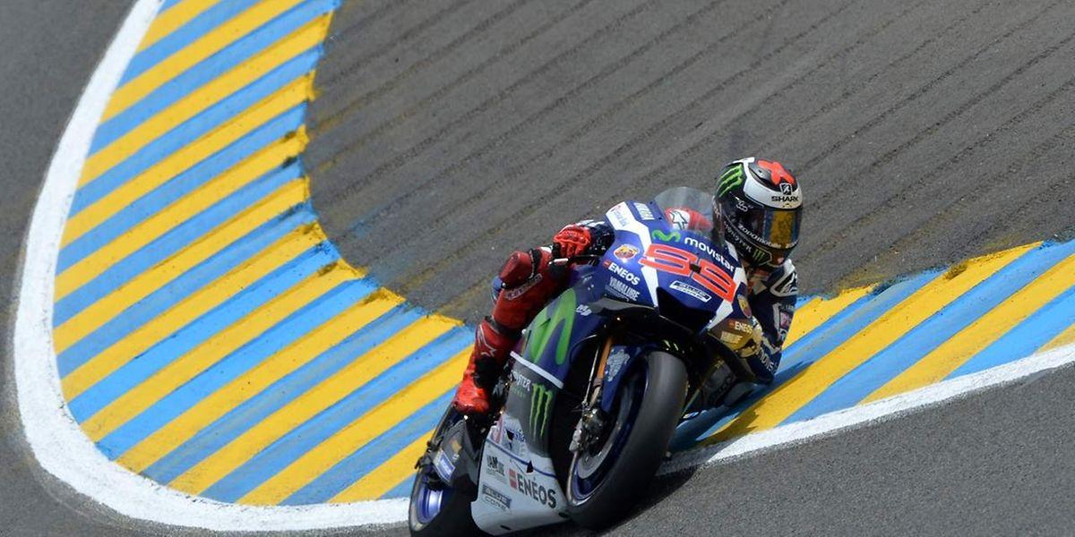 Jorge Lorenzo a mis à profit les chutes de Dovizioso et Marquez pour signer une course tranquille.