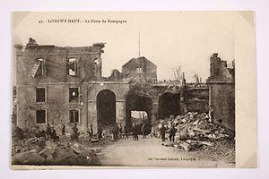 Longwy nach Bombenangriffen.