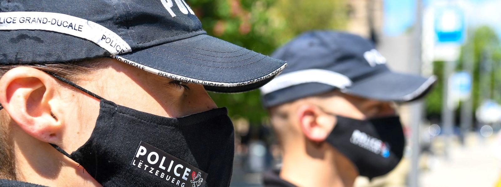 Wöchentlich führt die Polizei Kontrollen durch, um festzustellen, ob die Covid-19-Gesetze eingehalten werden.