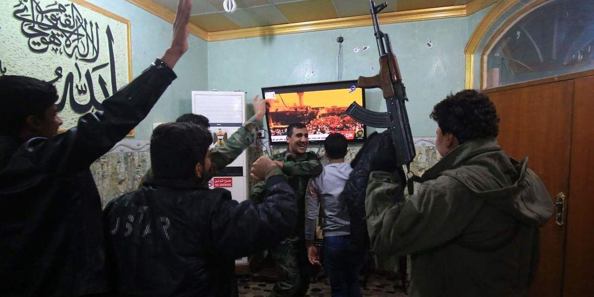 Der Sieg über den IS wird gefeiert.