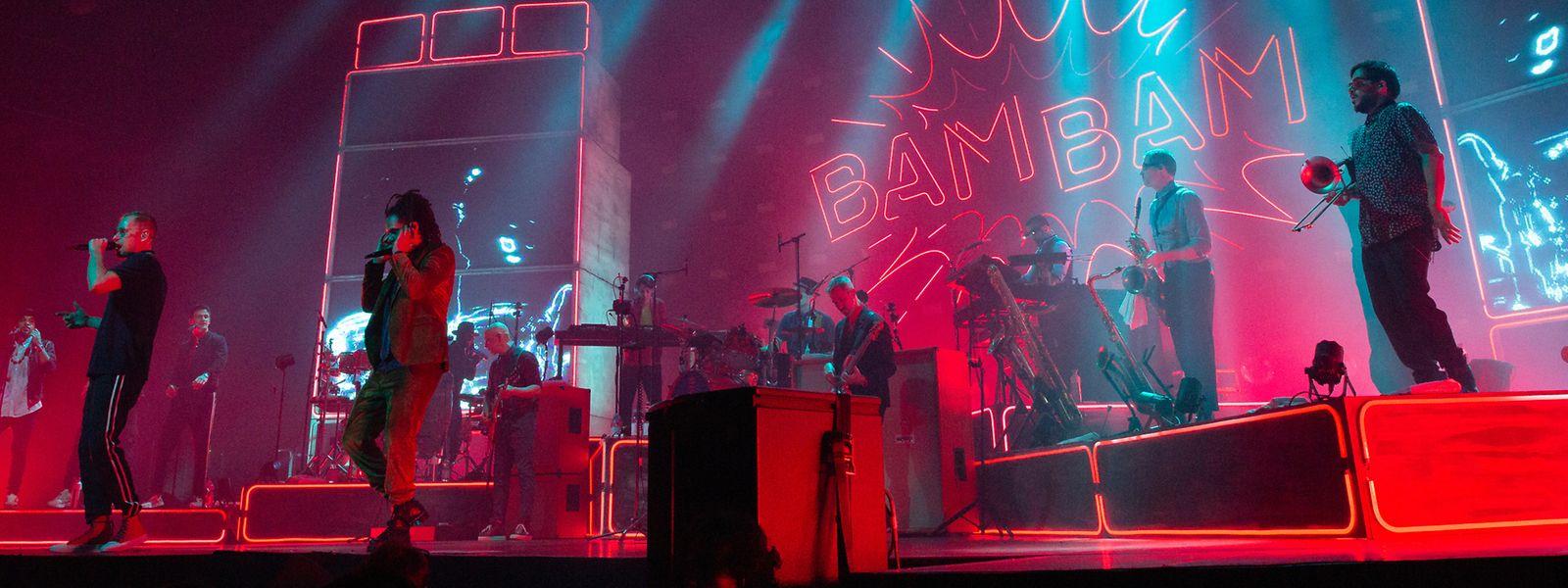 Seeed wussten mit ihrem energiegeladenen Auftritt das Publikum der Rockhal zu begeistern – es wurde aber auch emotionsgeladen des 2018 verstorbenen Band-Mitbegründers Demba Nabé gedacht.