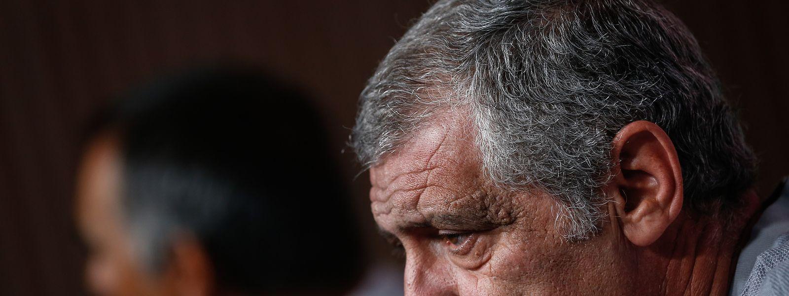 """Fernando Santos voltou a apontar o Luxemburgo como um adversário que poderá """"dificultar muito"""" a tarefa da seleção portuguesa."""