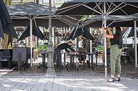 Wirtschaft, Vorbereitungen zu Wiedereröffnung Terrassen und Resturants, Luxemburg, Covid-19, Corona, Foto: Lex Kleren/Luxemburger Wort