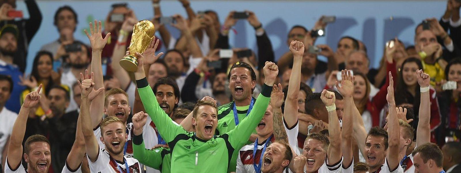 Manuel Neuer représentera les champions du monde allemands dans le tiercé de tête.
