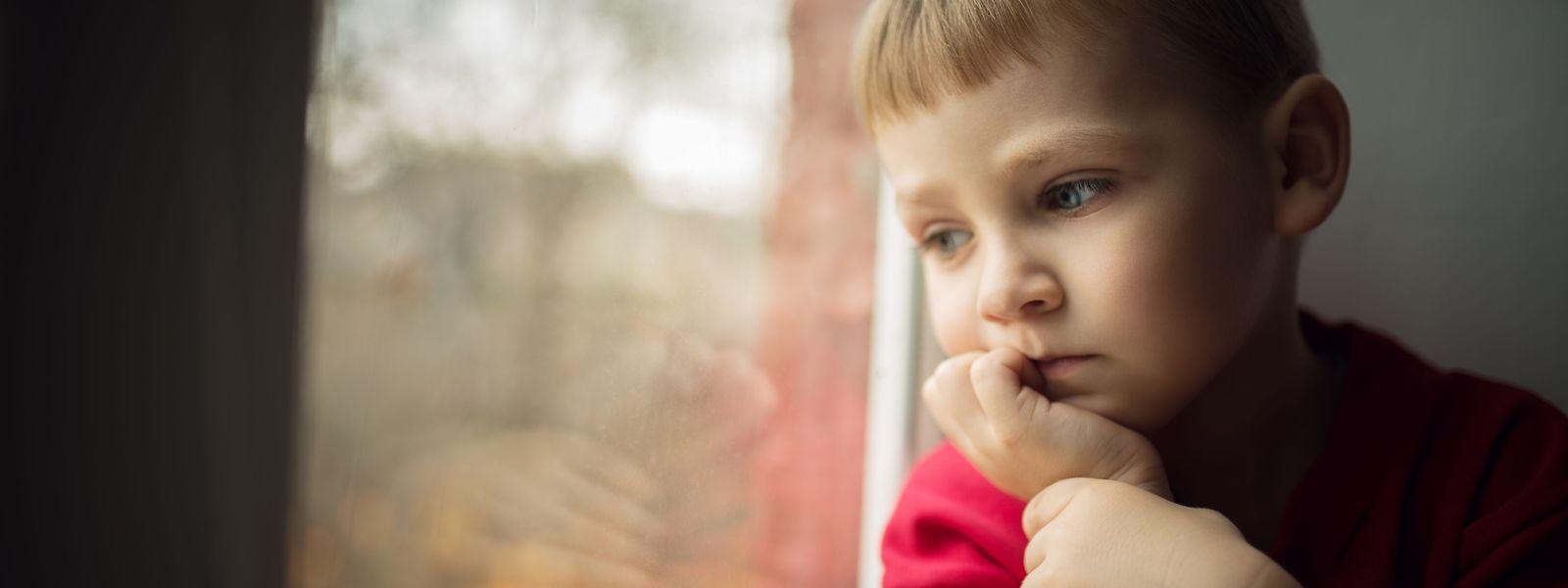 Kinder, die in Armut leben, geben nicht selten sich die Schuld an der Lage.