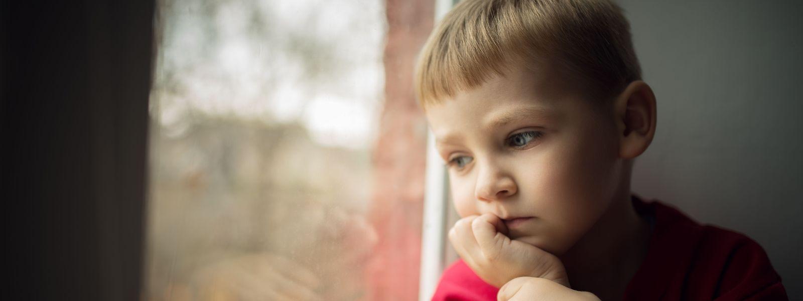 Kinder, die in ärmlichen Verhältnissen aufwachsen, haben weniger gute Start- und Lebenchancen als Kinder aus einkommensstarken Haushalten.