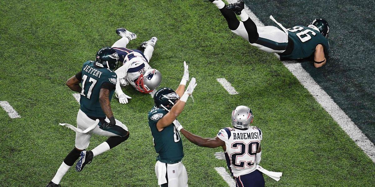 Zach Ertz et les Philadelphia Eagles ont déjoué les pronostics en dominant les New England Patriots.