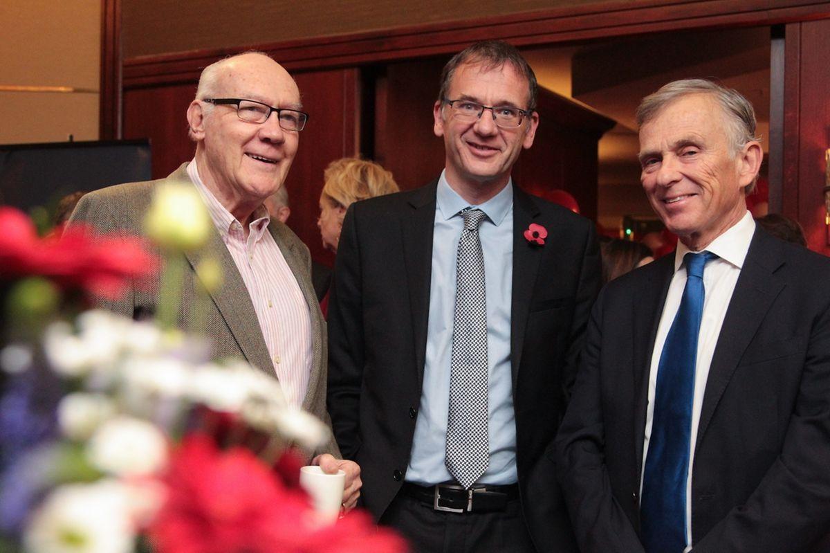 John Marshall au centre et David McKean, à droite.