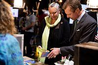 (de g. à dr.) Carole Dieschbourg, ministre de l'Environnement, du Climat et du Développement durable ; S.A.R. le Grand-Duc