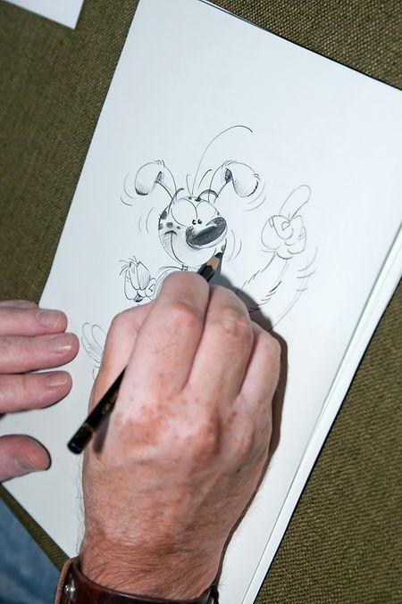 Batem correspondeu ao desafio lançado pelo Contacto e desenhou um marsupilami para as páginas do jornal.