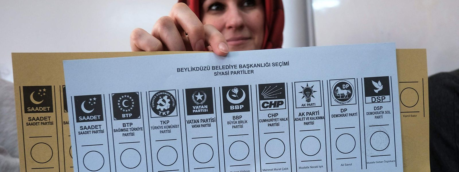 Ein Stimmzettel in einem Wahlbüro in Istanbul.