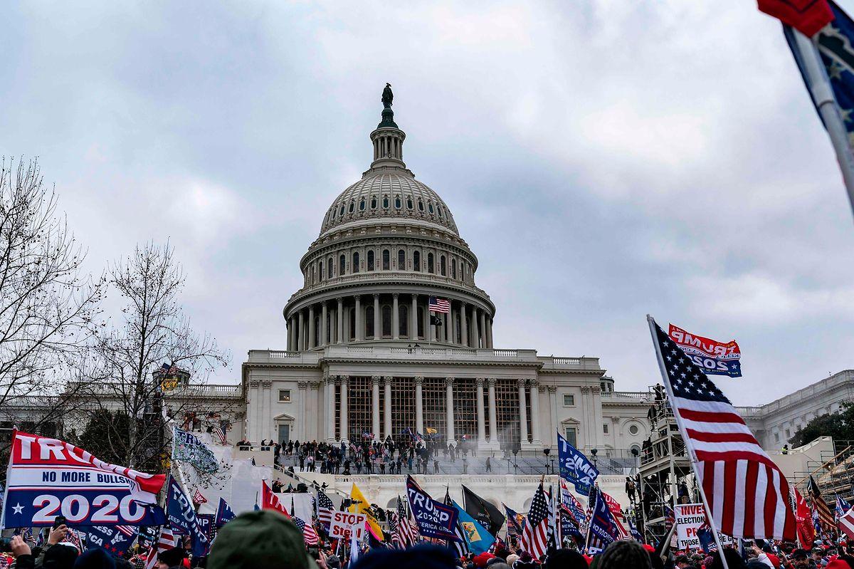 Die wütenden Anhänger von Donald Trump sorgen für Chaos.