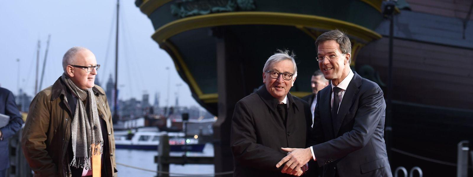 Stürmische Zeiten für die EU: Frans Timmermans, Jean-Claude Juncker und Mark Rutte