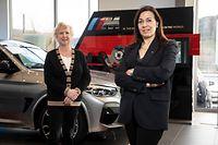 WI,Garage Schmitz:Managerin Nicole Welter übergibt Führung an Isabelle Blum. Garage Schmitz,BMW;Mersch. Foto: Gerry Huberty/Luxemburger Wort