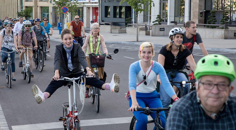 Mehr als 1000 Radfahrer nahmen an der 10 Kilometer langen Tour durch die Hauptstadt teil.