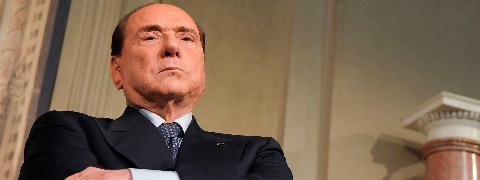 Silvio Berlusconi muss die nächste Zeit in Heimquarantäne verbringen.