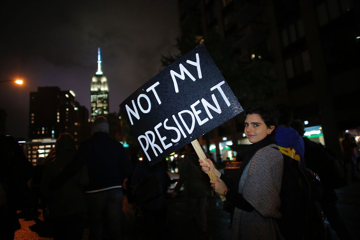 30 pessoas foram detidas quando se manifestavam contra a eleição de Donald Trump