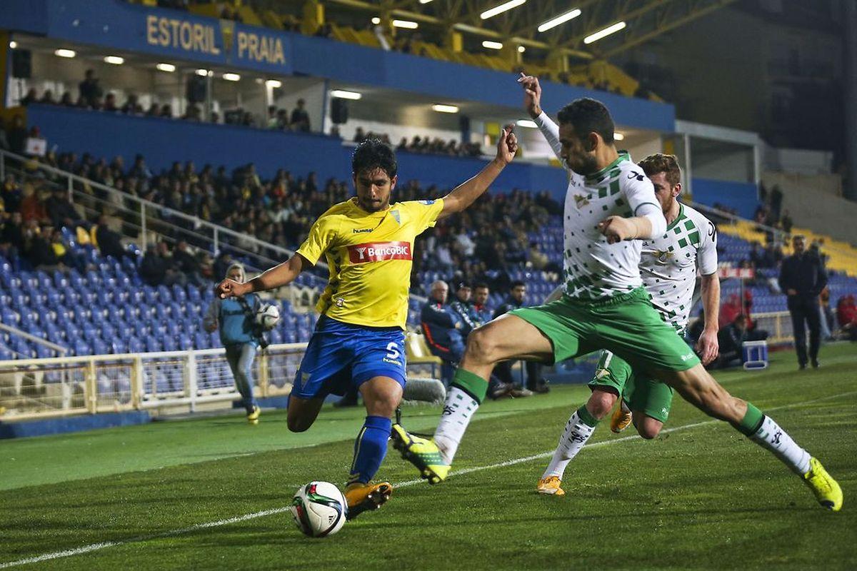 Estoril Praia e Moreirense dividiram os pontos ontem na Amoreira