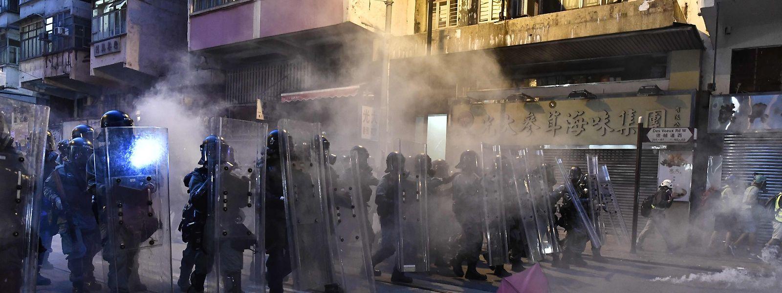 Die Spirale der Eskalation in Hongkong dreht sich weiter. Ein Militäreinsatz wird wahrscheinlicher.