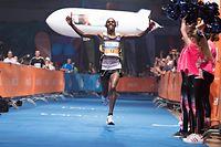 Mark Kangogo (Erster Marathon) / Leichtathletik, ING Night Marathon Luxembourg 2018 / 12.05.2018 / Luxexpo, Luxemburg / Foto: Christian Kemp