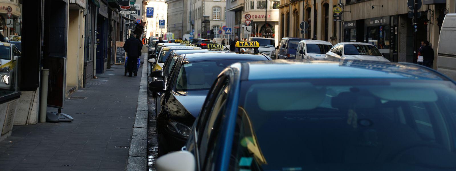 De nouvelles places de taxis sont désormais disponibles rue Willy Goergen, à quelques pas du centre de relaxation aquatique Badanstalt.