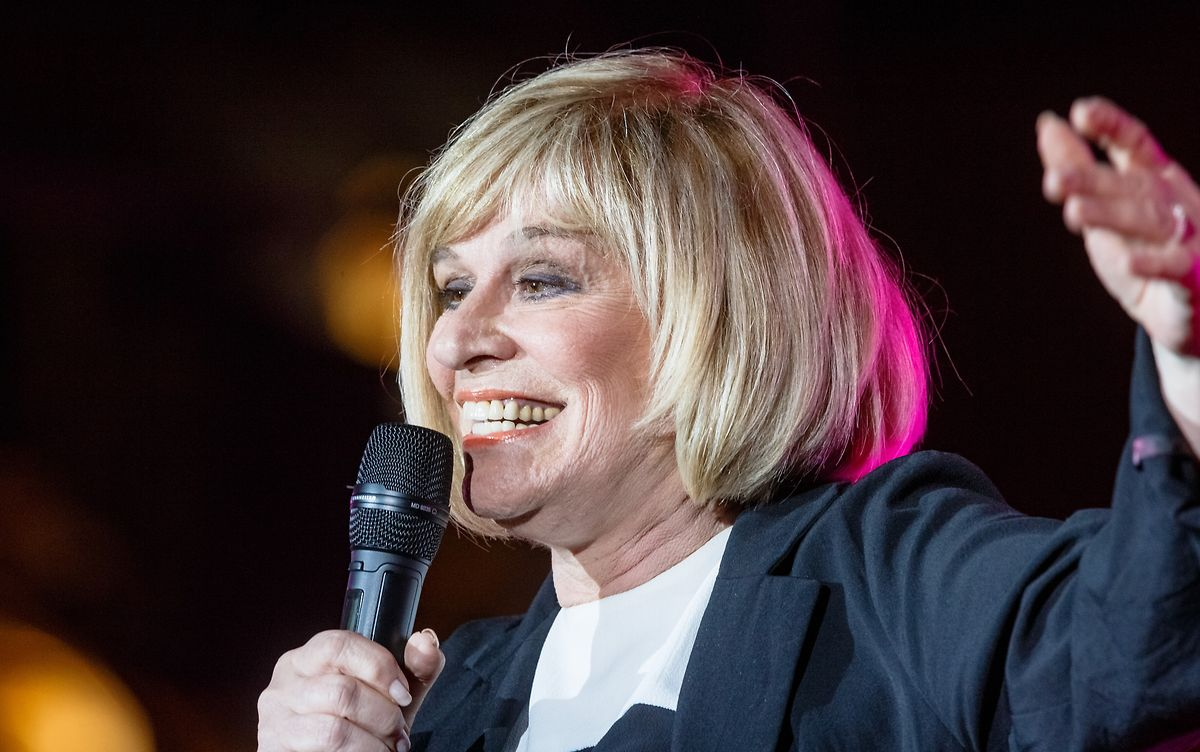 70 und noch kein bisschen leise: Alleine im ersten Halbjahr 2019 wird Mary Roos 25 Konzerte geben.