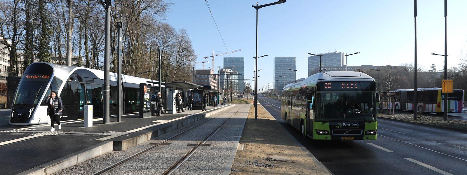 Ein Ticket muss in Bus, Bahn und Tram bald niemand mehr vorzeigen. Nur für die erste Klasse im Zug sowie für grenzüberschreitende Verbindungen brauchen Passagiere weiterhin ein Abonnement.