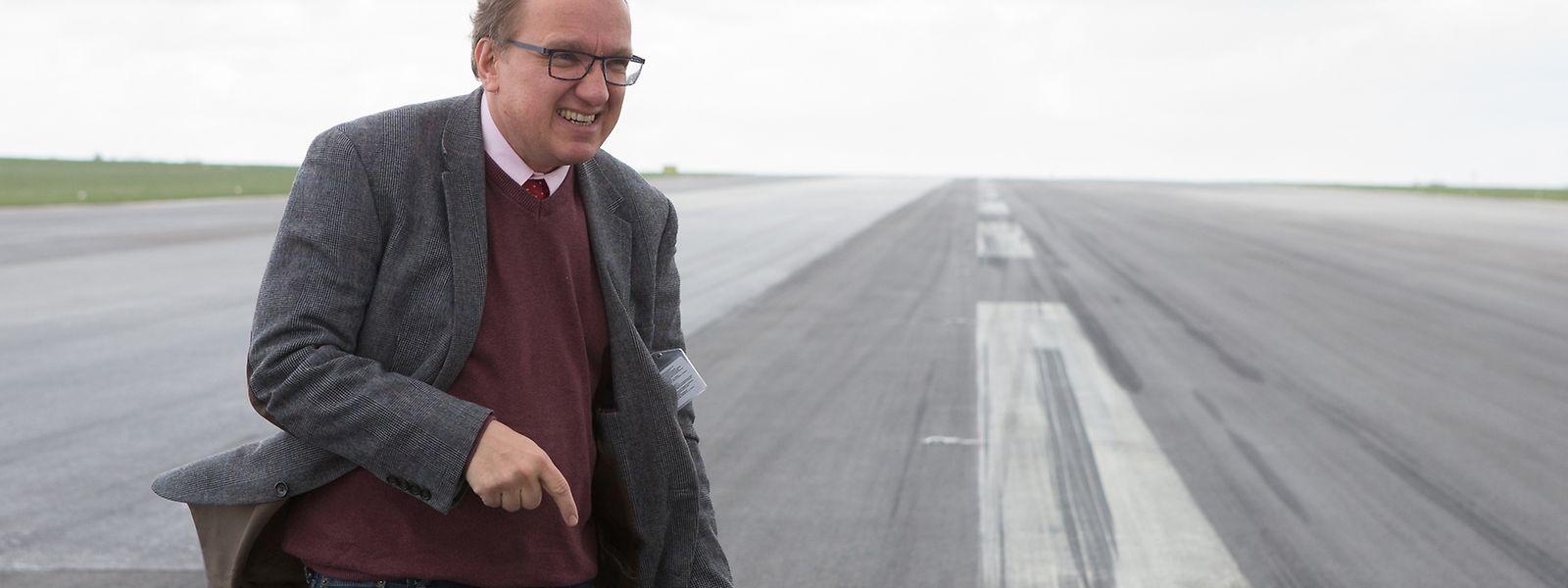 Roland Fox ist beigeordneter Direktor der Straßenbauverwaltung und wurde vom Infrastrukturminister zum Projektleiter für die Sanierung berufen.