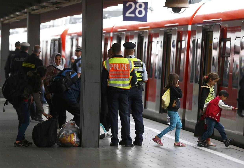 In München werden im Verlauf des Samstags 2.000 Flüchtlinge erwartet. Die ersten trafen bereits am Vormittag ein.