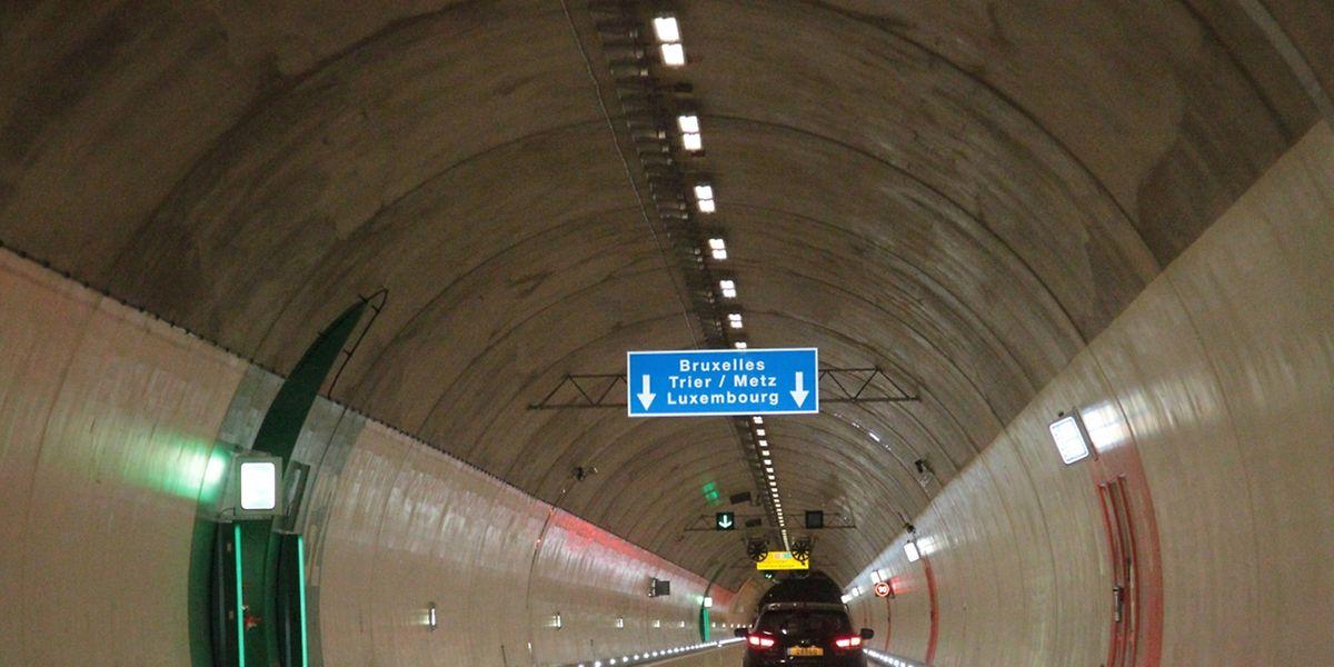 Unten die Tunnelröhren, obendrauf der Grünewald.