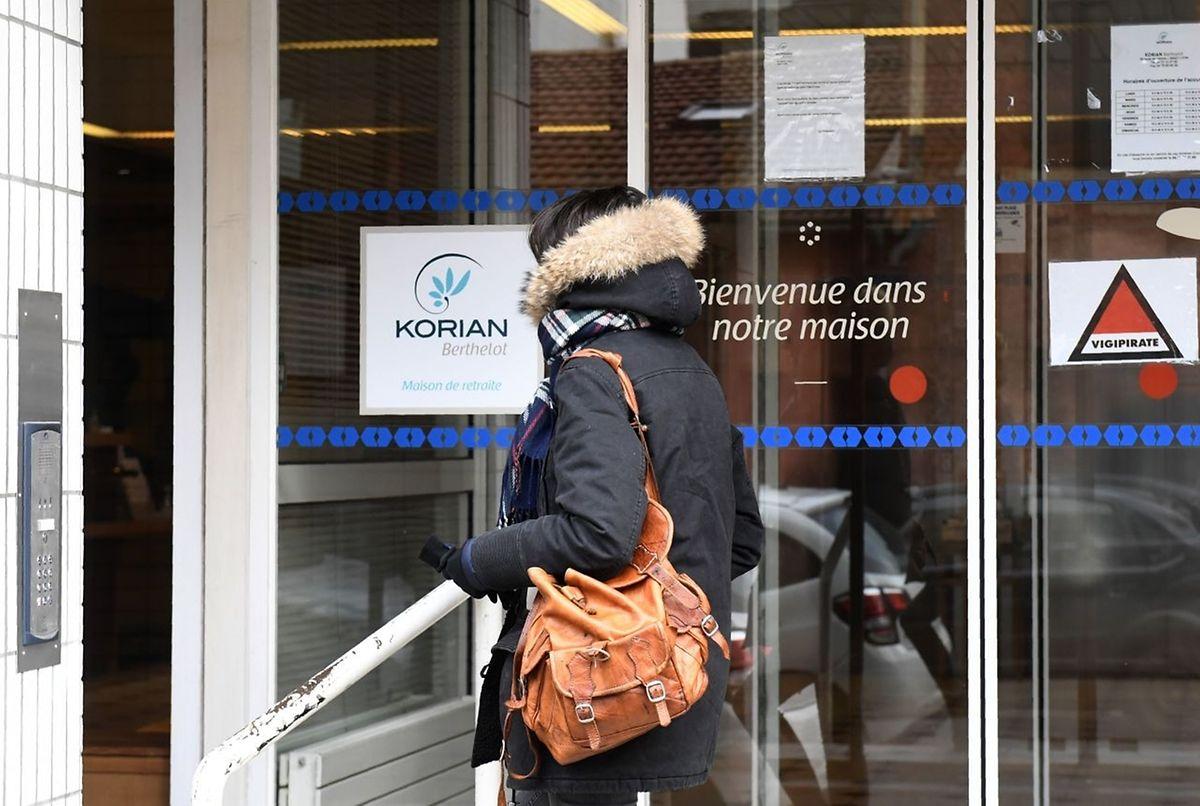 Samedi, le ministère a diligenté une enquête pour expliquer un «évènement exceptionnel»: la mort en quinze jours de 13 pensionnaires au sein de L'Ehpad Korian Berthelot dans le 7e arrondissement de Lyon.