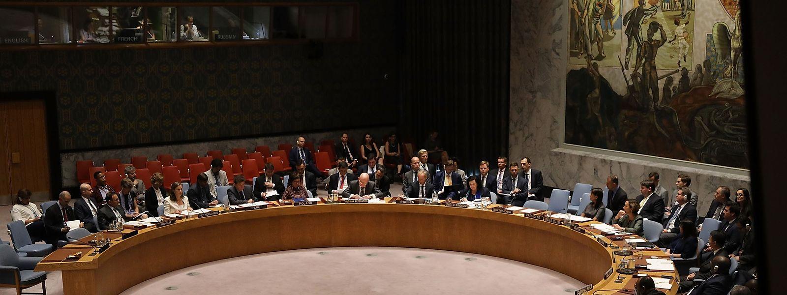 Russlands UN-Botschafter Wassili Nebensja wies die Vorwürfe in einer Sitzung des UN-Sicherheitsrates am Donnerstag in New York zurück.