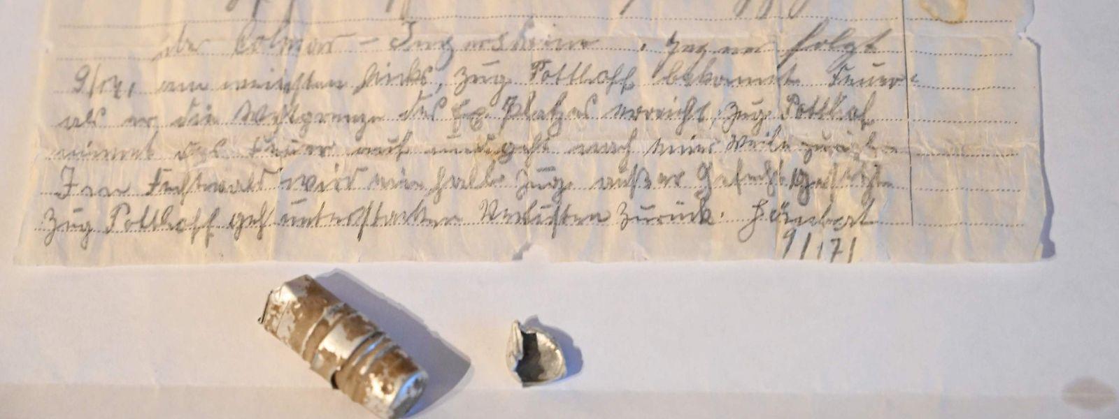 """Mühsame Kommunikation: Die """"Brieftaubendepesche"""" des preußischen Militärs aus dem Jahr 1910."""