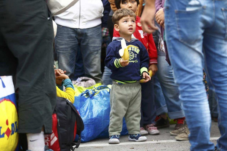 Am Samstagmorgen ist ein Sonderzug mit 400 Flüchtlingen in Wien angekommen.